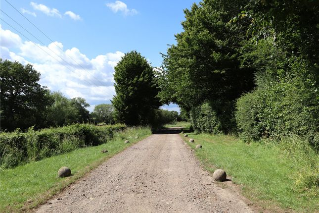 Private Road of Woodchurch, Ashford, Kent TN26