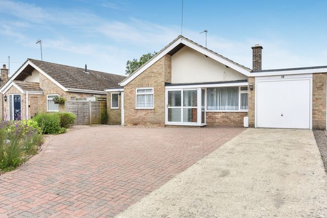 Thumbnail Bungalow to rent in Lawyers Close, Evenley, Brackley