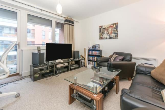 Lounge of Bell Barn Road, Birmingham, West Midlands B15