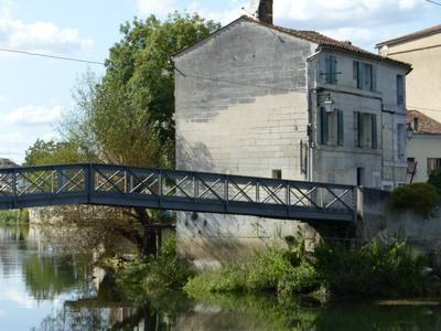 3 bed property for sale in Jarnac, Charente, France