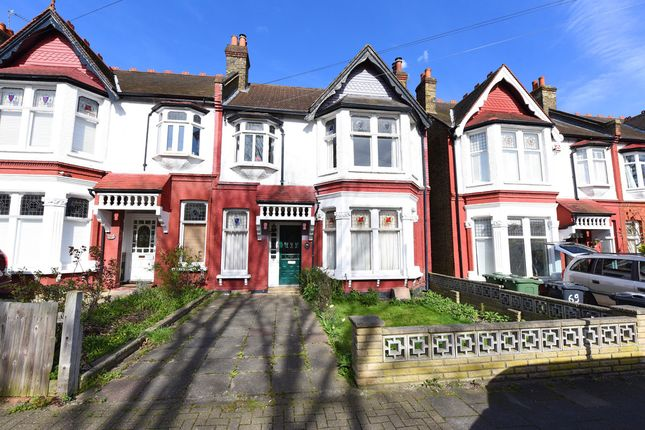 Thumbnail Terraced house for sale in Braxted Park, London