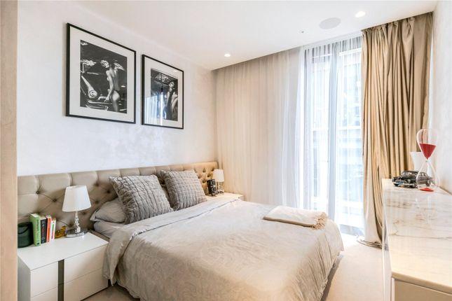 Bedroom of Kings Gate Walk, Victoria, London SW1E
