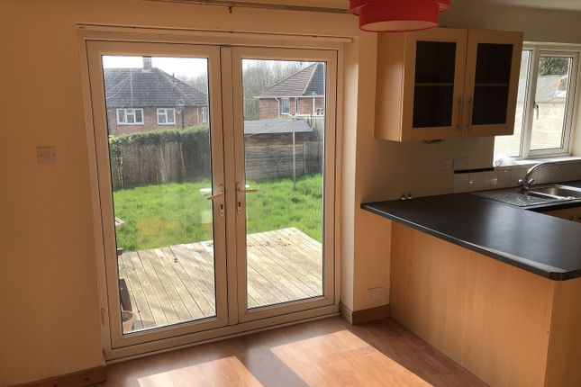 3 bed semi-detached house to rent in Saltburn Close, Derby