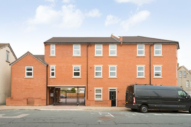 Thumbnail Flat to rent in Randolph Road, Gillingham