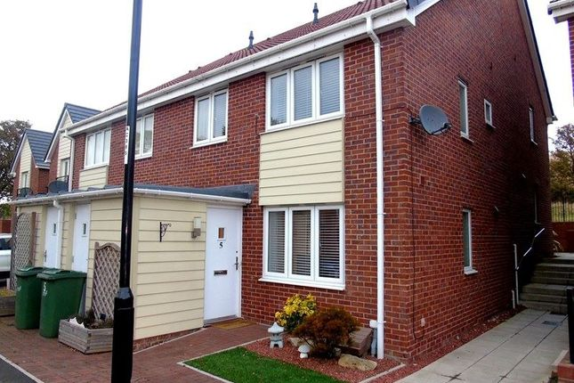 2 bed semi-detached house to rent in Swan Court, Sunderland