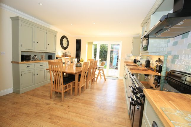 Thumbnail Detached house for sale in Twyford Gardens, Grantham