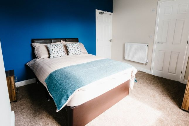 5 bed shared accommodation to rent in Cecil Road, Eccles M30