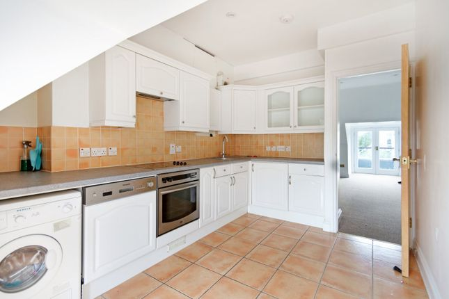 Kitchen 2 of Hartingdon House, 185 Hills Road, Cambridge CB2