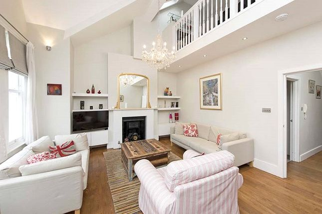 Thumbnail Flat for sale in Hearnville Road, London