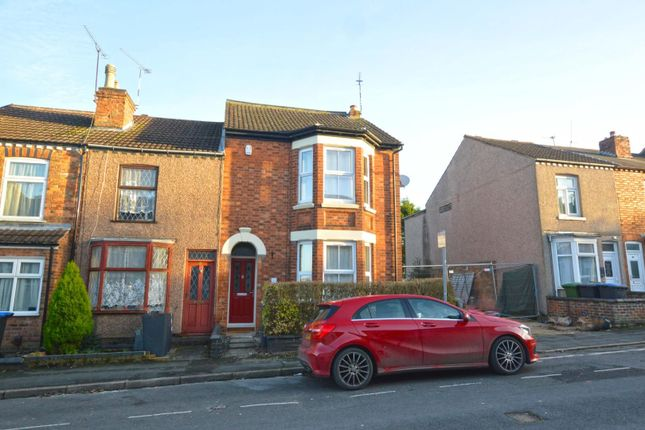 3 bed end terrace house to rent in Oxford Street, Rugby CV21