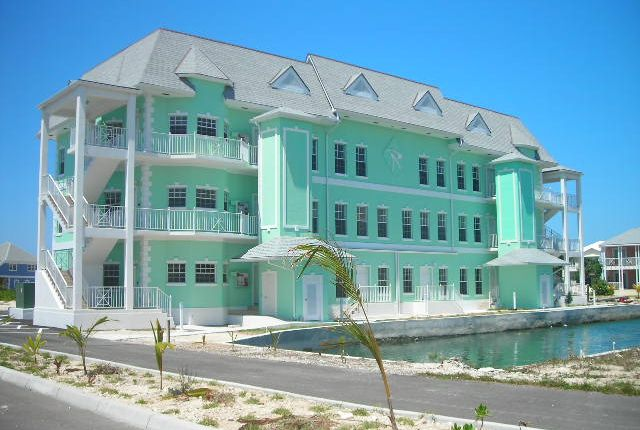 Apartment for sale in Roberts Isle, Nassau, The Bahamas