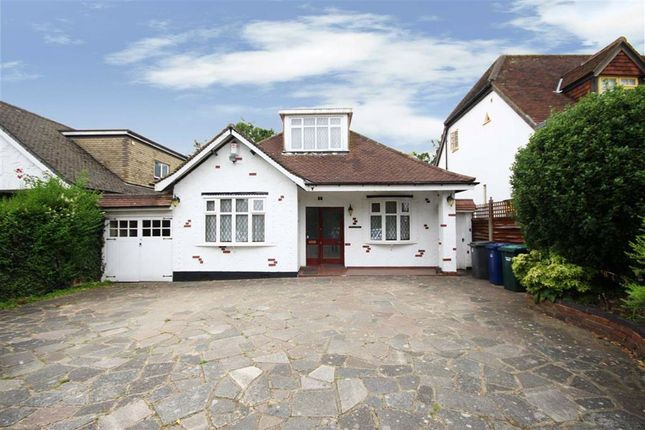 Thumbnail Detached house for sale in Barnet Gate Lane, Arkley, Hertfordshire