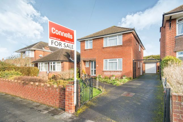 Thumbnail Detached house for sale in Taunton Drive, Southampton