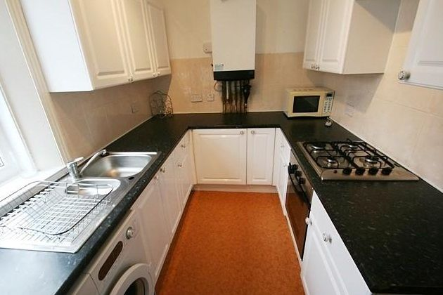 Flat to rent in Rothbury Terrace, Heaton