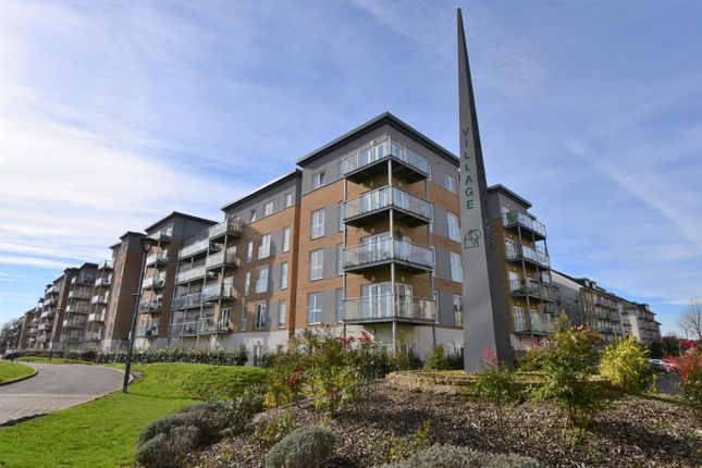 Thumbnail Flat to rent in Windsor Court, West Drayton