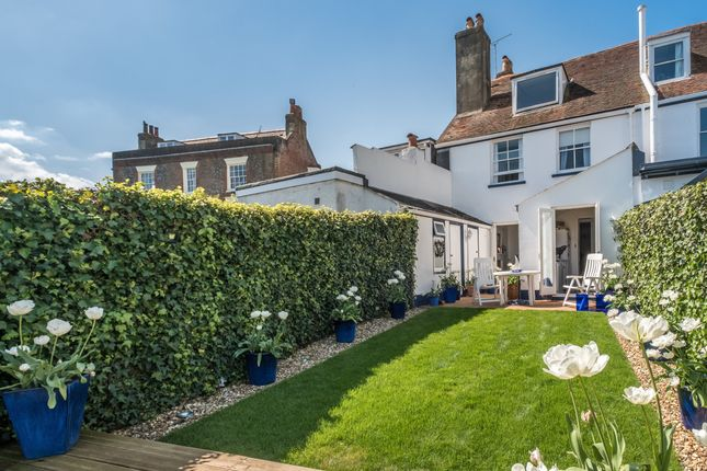 Thumbnail Cottage for sale in Castle Road, Cowes