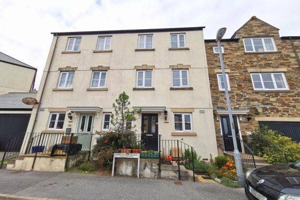 4 bed property to rent in Gwithian Road, St. Austell PL25
