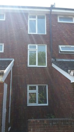 Thumbnail Town house to rent in Kestrel Close, Hainault