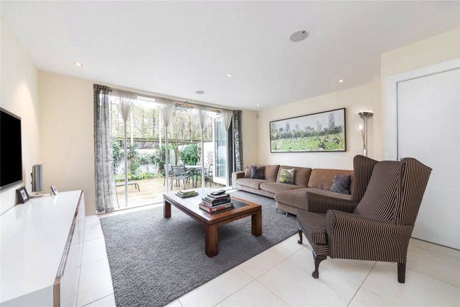 Thumbnail Mews house to rent in Willow Walk, Islington, London