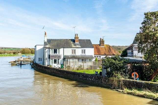 Thumbnail Cottage for sale in Queen Street, Arundel