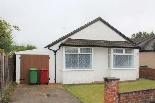 Thumbnail Detached bungalow to rent in The Spur, Burnham, Slough