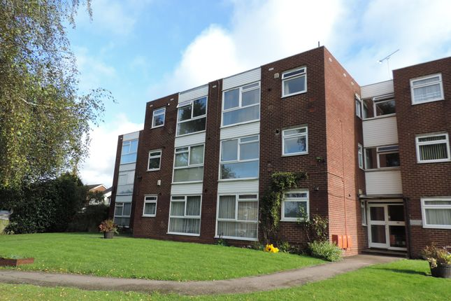 2 bed flat for sale in Raymond Court, Potters Bar EN6