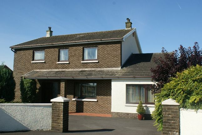 Thumbnail Detached house for sale in Llyn Y Fran Road, Llandysul