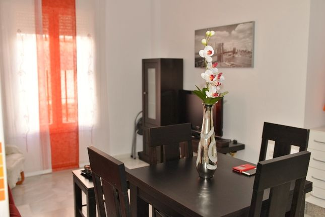 2 bed apartment for sale in Calle Independencia, Fuengirola, Málaga, Andalusia, Spain