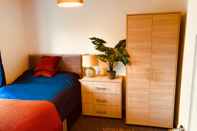 Thumbnail Room to rent in Hucclecote Road, Hucclecote, Gloucester