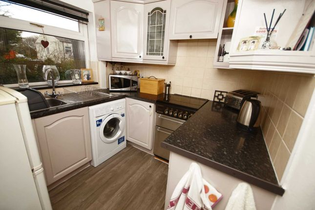 Thumbnail Cottage to rent in Dorning Street, Blackrod, Bolton