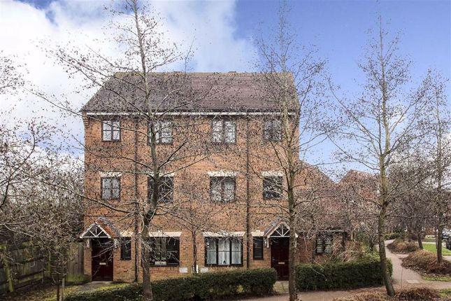 Thumbnail Town house to rent in Hidcote Drive, Westcroft, Milton Keynes, Buckinghamshire