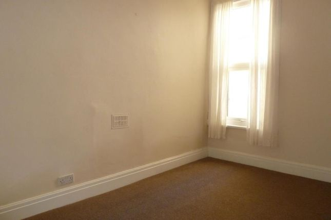 Picture No.04 of Oakfield Terrace Road, Plymouth, Devon PL4