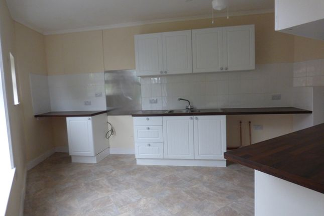 2 bed flat to rent in Market Place, Alford LN13