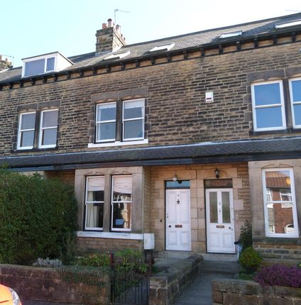 Thumbnail Town house to rent in Westcliffe Terrace, Harrogate