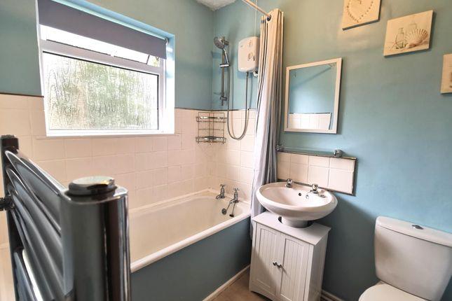Bathroom of Ernesettle Green, Plymouth PL5