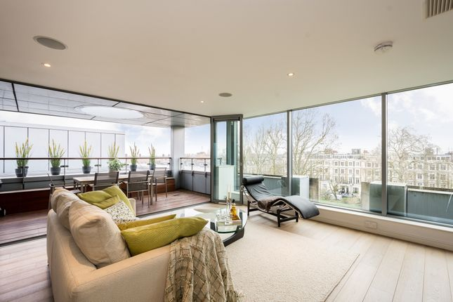 Thumbnail Flat to rent in Blackthorn Avenue, London