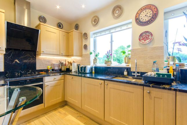 Thumbnail Terraced house to rent in Walker Close, Arnos Grove, London