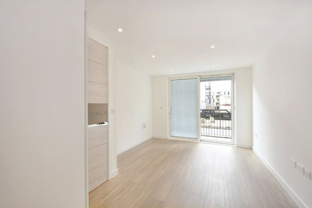 Thumbnail Flat to rent in Marine Wharf, London