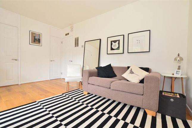 1 bed flat for sale in Chester Close, Dorking, Surrey