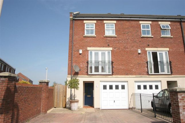Thumbnail Town house to rent in Hutton Gate, Harrogate