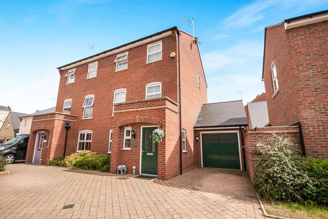 Thumbnail Town house for sale in Banks Lane, Stansted