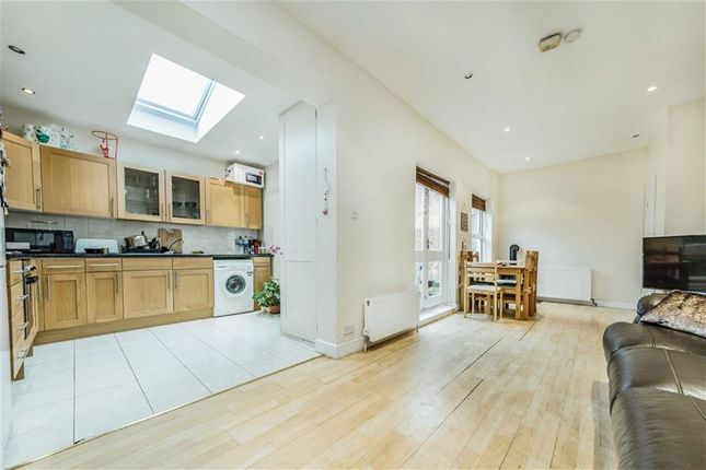 Thumbnail Property to rent in Mulberry Tree Mews, London