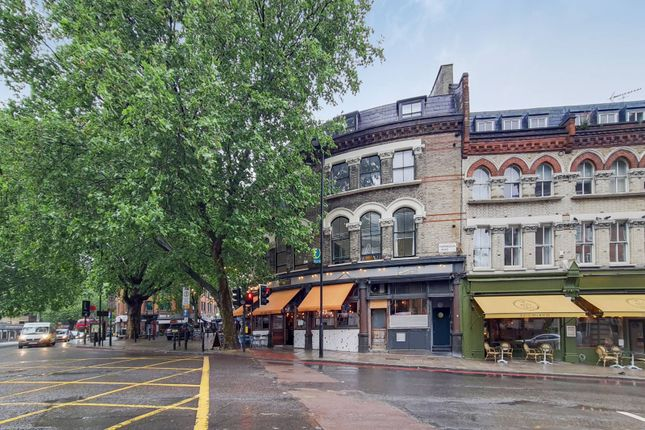 Thumbnail Flat for sale in Farringdon Road, Clerkenwell, London