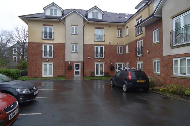 Thumbnail Flat for sale in Oldham Road, Springhead, Oldham