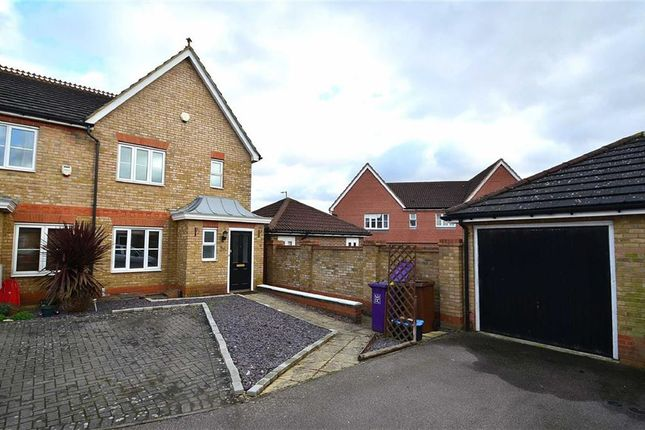 Thumbnail Terraced house to rent in The Beacons, Stevenage