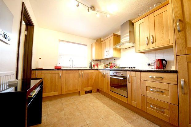 Thumbnail Property to rent in Dressington Avenue, London