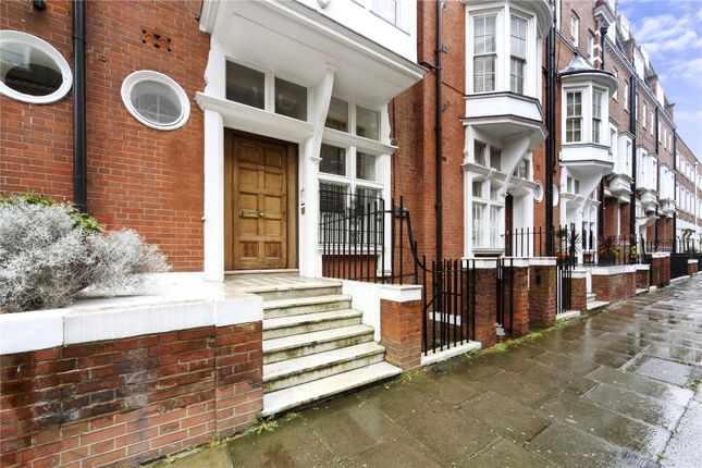 Picture No. 17 of Sloane Court East, London SW3