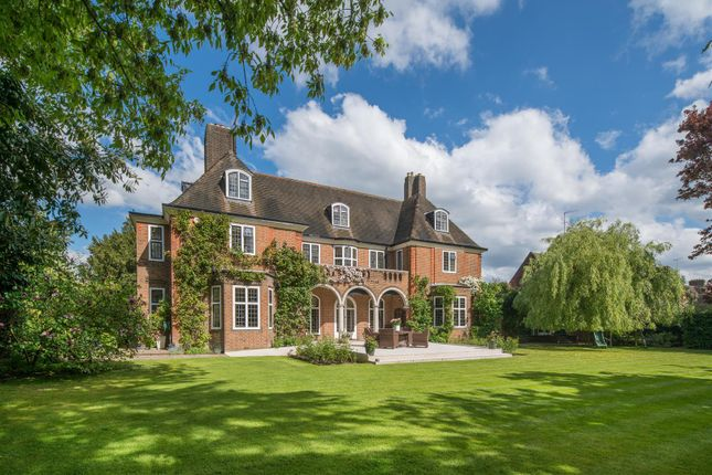 Thumbnail Property for sale in Constable Close, Hampstead Garden Suburb