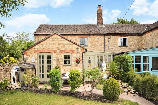 Thumbnail Cottage for sale in Back Way, Great Haseley, Oxford