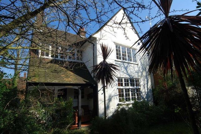 Thumbnail Cottage for sale in Bigwood Road, London